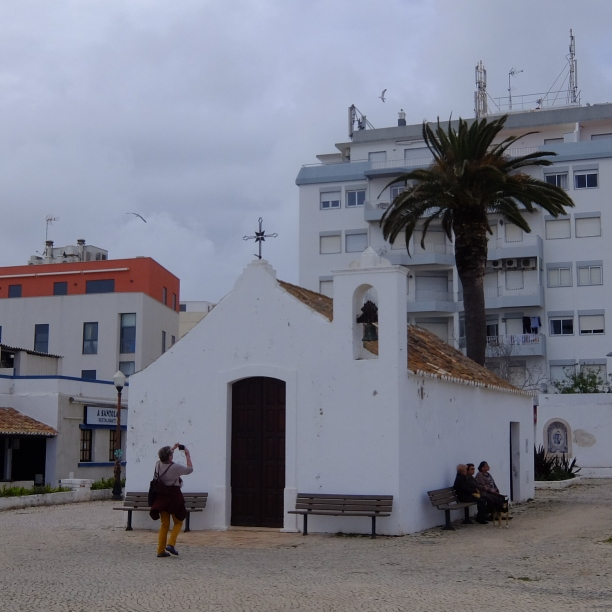 Wanderung bis zum Meer in Armação de Pêra