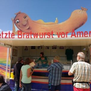 Letzte Bratwurst vor Amerika!