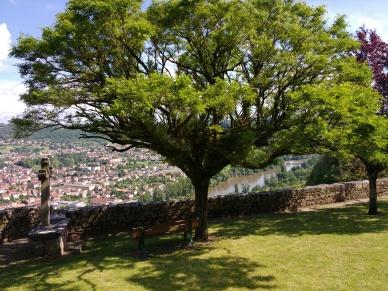 Blick vom oberen Ort auf Capdenac