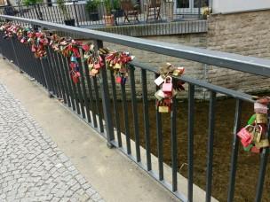 Auch hier: Liebesschwüre an der Brücke