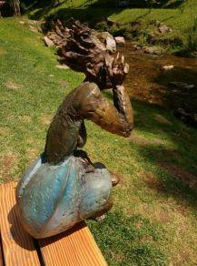 """Bronzefigur """"Überraschung"""""""