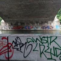 Unter der Maximiliansbrücke