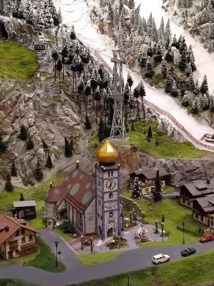 Hundertwasserkirche in der Steiermark